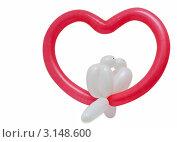 Купить «Сердце с голубями, изготовленными из воздушных шаров», фото № 3148600, снято 23 марта 2019 г. (c) Ковалев Василий / Фотобанк Лори