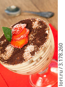 Купить «Итальянский десерт Тирамису», фото № 3178260, снято 1 октября 2011 г. (c) ElenArt / Фотобанк Лори