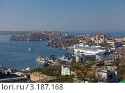 Круизный лайнер во Владивостоке (2011 год). Редакционное фото, фотограф Артём Скороделов / Фотобанк Лори