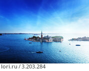 Купить «Вид на остров Сан-Джорджо. Венеция, Италия», фото № 3203284, снято 7 июня 2020 г. (c) Iakov Kalinin / Фотобанк Лори