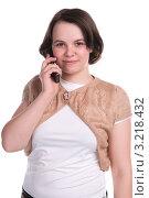 Девушка разговаривает по мобильному телефону. Стоковое фото, фотограф Ольга Богданова / Фотобанк Лори