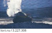 Грузовик везет уголь в карьере. Стоковое видео, видеограф Павел Меняйло / Фотобанк Лори