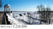 Купить «Город Ярославль, набережная. Панорама», фото № 3228888, снято 28 января 2012 г. (c) ElenArt / Фотобанк Лори