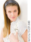 Купить «Красивая девушка в белой блузке и повязке на голове», фото № 3231040, снято 9 февраля 2011 г. (c) CandyBox Images / Фотобанк Лори