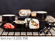 Японская еда в ресторане. Стоковое фото, фотограф Наталия Китаева / Фотобанк Лори