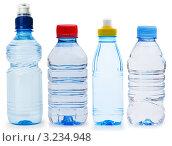 Купить «Пластиковые бутылки с водой», фото № 3234948, снято 16 июня 2019 г. (c) Elnur / Фотобанк Лори