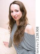 Портрет симпатичной девушки. Стоковое фото, фотограф Ольга Богданова / Фотобанк Лори