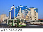 Купить «Городские автобусы в Тюмени», эксклюзивное фото № 3262548, снято 15 января 2012 г. (c) Анатолий Матвейчук / Фотобанк Лори