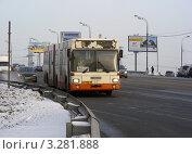 """Купить «Автобус """"Щелковская - Балашиха - 2"""" № 447 едет по Щелковскому шоссе», эксклюзивное фото № 3281888, снято 20 февраля 2012 г. (c) lana1501 / Фотобанк Лори"""