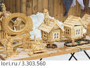 Купить «Деревянные сувениры. Суздаль», эксклюзивное фото № 3303560, снято 25 февраля 2012 г. (c) Оксана Гильман / Фотобанк Лори