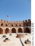 Купить «Кызыл Куле (Красная башня) в Алании», фото № 3333896, снято 6 августа 2011 г. (c) Иван Демьянов / Фотобанк Лори