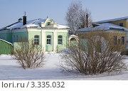 Купить «Старинный дом на территории Кремля в городе Коломне, зима», фото № 3335032, снято 10 марта 2012 г. (c) Natalya Sidorova / Фотобанк Лори