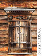 Купить «Окно в старом деревянном доме с резными наличниками», фото № 3335456, снято 24 января 2007 г. (c) ElenArt / Фотобанк Лори