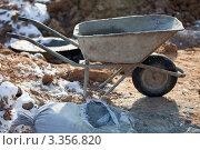Строительная тележка с мешком цемента. Стоковое фото, фотограф light / Фотобанк Лори
