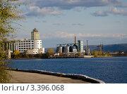 Вид из речного порта Тольятти (2011 год). Стоковое фото, фотограф Юрий Петров / Фотобанк Лори