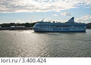Купить «Паром Silja Line покидает порт и уходит в море», эксклюзивное фото № 3400424, снято 8 августа 2011 г. (c) Юлия Бабкина / Фотобанк Лори