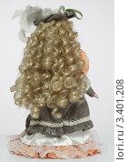Кукла керамическая, вид сзади (2012 год). Редакционное фото, фотограф Вячеслав Зяблов / Фотобанк Лори