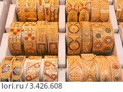Купить «Дубай, витрина ювелирного магазина», фото № 3426608, снято 26 марта 2012 г. (c) Валерий Шилов / Фотобанк Лори