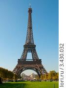 Купить «Эйфелева башня», фото № 3430032, снято 29 сентября 2011 г. (c) katalinks / Фотобанк Лори