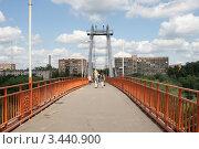 Купить «Пешеходный мост, город Воскресенск», эксклюзивное фото № 3440900, снято 11 июля 2009 г. (c) Dmitry29 / Фотобанк Лори