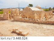 Церковь 12-ого столетия Panagia Chrysopolitissa в Куклии близ храма Афродиты, Кипр (2012 год). Стоковое фото, фотограф Миронова Евгения / Фотобанк Лори