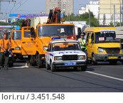 Купить «Транспорт на Щелковском шоссе. Москва», эксклюзивное фото № 3451548, снято 23 июля 2011 г. (c) lana1501 / Фотобанк Лори