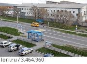 Купить «Заводоуковск. Автобусная остановка. Вид сверху», фото № 3464960, снято 5 мая 2011 г. (c) Александр Тараканов / Фотобанк Лори