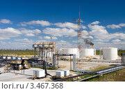 Купить «Нефтеперерабатывающий завод», фото № 3467368, снято 13 июня 2010 г. (c) Георгий Shpade / Фотобанк Лори