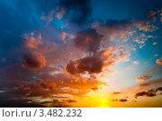 Купить «Красочный закат», фото № 3482232, снято 1 мая 2012 г. (c) Екатерина Овсянникова / Фотобанк Лори