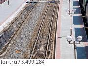 Железнодорожная платформа. Стоковое фото, фотограф Ольга Ларина / Фотобанк Лори