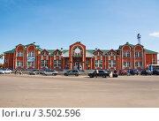 Купить «Новое здание Старого вокзала, город Балашов, Саратовская область», эксклюзивное фото № 3502596, снято 6 мая 2011 г. (c) Истомина Елена / Фотобанк Лори