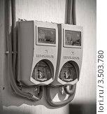 Электросчетчики (2011 год). Редакционное фото, фотограф Юрий Андреев / Фотобанк Лори