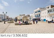 Школьники играющие на улице Rue de la Regence в городе Бизерте. Тунис (2012 год). Редакционное фото, фотограф Владимир Чинин / Фотобанк Лори