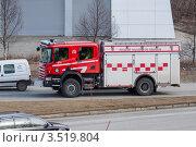 Купить «Пожарная машина на улице», эксклюзивное фото № 3519804, снято 9 мая 2012 г. (c) Алексей Шматков / Фотобанк Лори