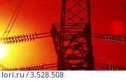 Купить «Линия электропередач в солнечных лучах. Таймлапс», видеоролик № 3528508, снято 18 июля 2010 г. (c) ILLYCH / Фотобанк Лори