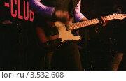 Купить «Гитарист», видеоролик № 3532608, снято 13 декабря 2008 г. (c) Losevsky Pavel / Фотобанк Лори