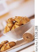 Купить «Вкусные печения в стеклянной чаше», фото № 3538288, снято 19 ноября 2011 г. (c) BestPhotoStudio / Фотобанк Лори
