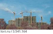Купить «Строительство жилого дома, таймлапс», видеоролик № 3541164, снято 12 августа 2009 г. (c) Losevsky Pavel / Фотобанк Лори