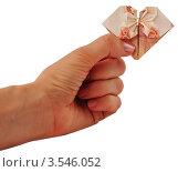 Сложенная пятитысячная купюра в руке. Стоковое фото, фотограф Anna Bukharina / Фотобанк Лори