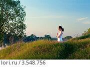 Купить «Девушка занимается йогой», фото № 3548756, снято 20 мая 2012 г. (c) Инга Дудкина / Фотобанк Лори