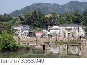 Купить «На озере, Линьфэнь, Китай», фото № 3553040, снято 6 мая 2012 г. (c) Валерий Шанин / Фотобанк Лори