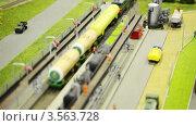 Купить «Товарный поезд прибывает на станцию», видеоролик № 3563728, снято 6 февраля 2010 г. (c) Losevsky Pavel / Фотобанк Лори