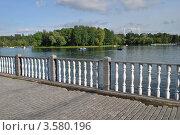 Купить «Измайловский Парк Культуры и отдыха. Круглый пруд.  Москва», эксклюзивное фото № 3580196, снято 10 июня 2012 г. (c) lana1501 / Фотобанк Лори