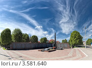 Купить «Памятник погибшим землякам. Шклов, Могилевская область», фото № 3581640, снято 26 мая 2012 г. (c) Виктор Пелих / Фотобанк Лори