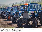 Бизон Трек Шоу 2012. Трактора перед стартами. Редакционное фото, фотограф Иван Сазыкин / Фотобанк Лори