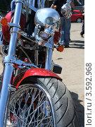 Фрагмент мотоцикла Harley-Davidson (2012 год). Редакционное фото, фотограф Татьяна Плешакова / Фотобанк Лори