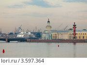 Купить «Санкт-Петербург. Вид на Васильевский остров и порт», фото № 3597364, снято 15 июня 2012 г. (c) Антон Балаж / Фотобанк Лори