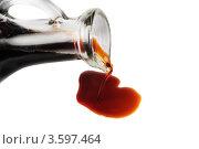 Соевый  соус  изолированно на  белом. Стоковое фото, фотограф Сергей Гнилосыр / Фотобанк Лори