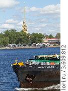 Купить «Сухогруз на Неве», фото № 3609812, снято 20 июня 2012 г. (c) Андрей Жухевич / Фотобанк Лори