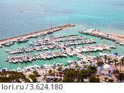 Пристань для частных яхт в городе Сиди-бу-саид, Карфаген, Тунис (2012 год). Стоковое фото, фотограф Кекяляйнен Андрей / Фотобанк Лори